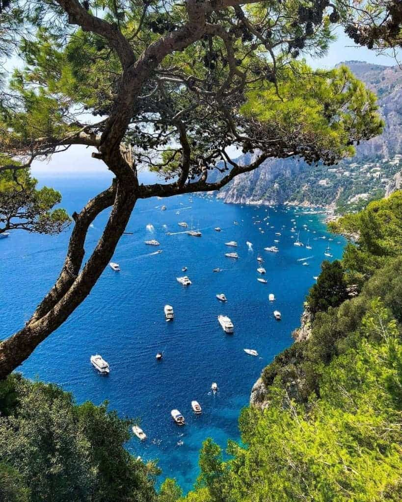 What to Wear in Italy: Glamorous Capri