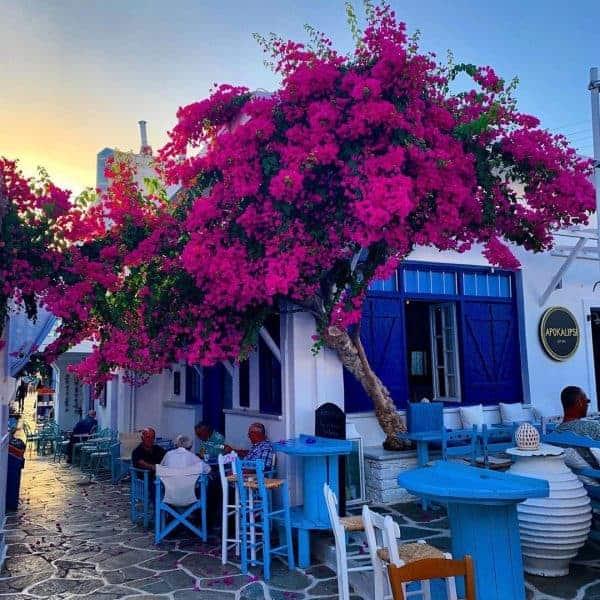 Island Hopping in Greece: 2020 Travel Guide & Sample Greek Island Hopping Itineraries