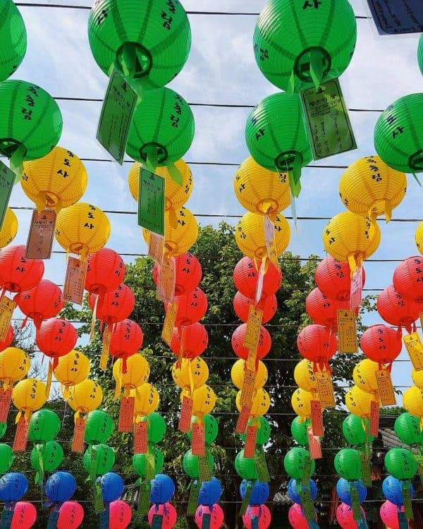 Beautiful lanterns sway in the wind at Tongdosa temple