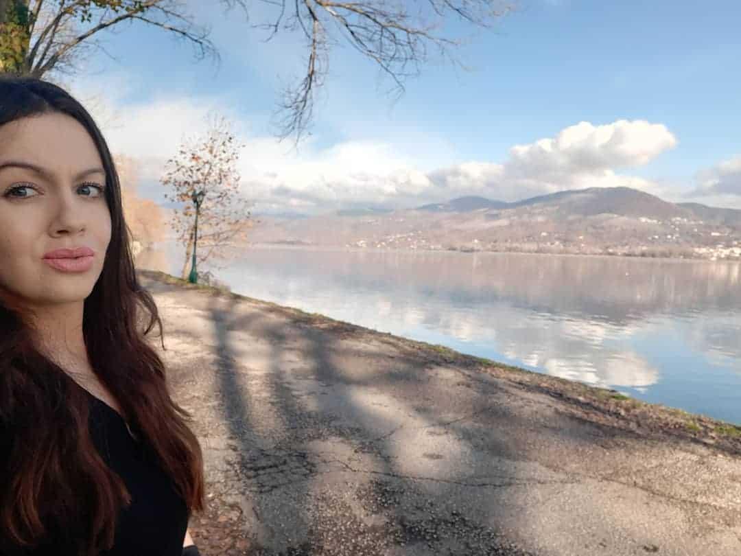 Kastoria borders the beautiful Orestiada Lake