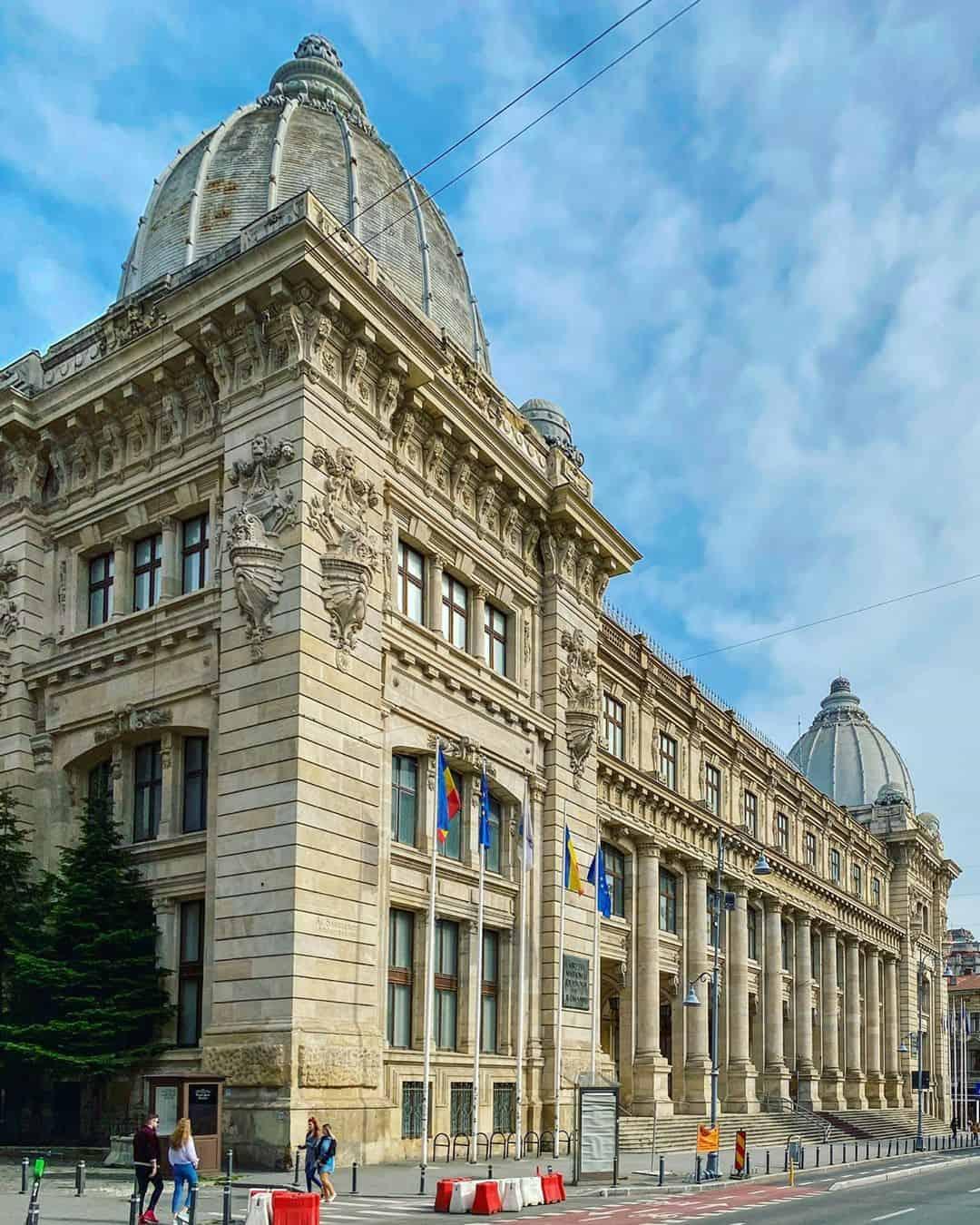 Cetru Vechi, Budapest