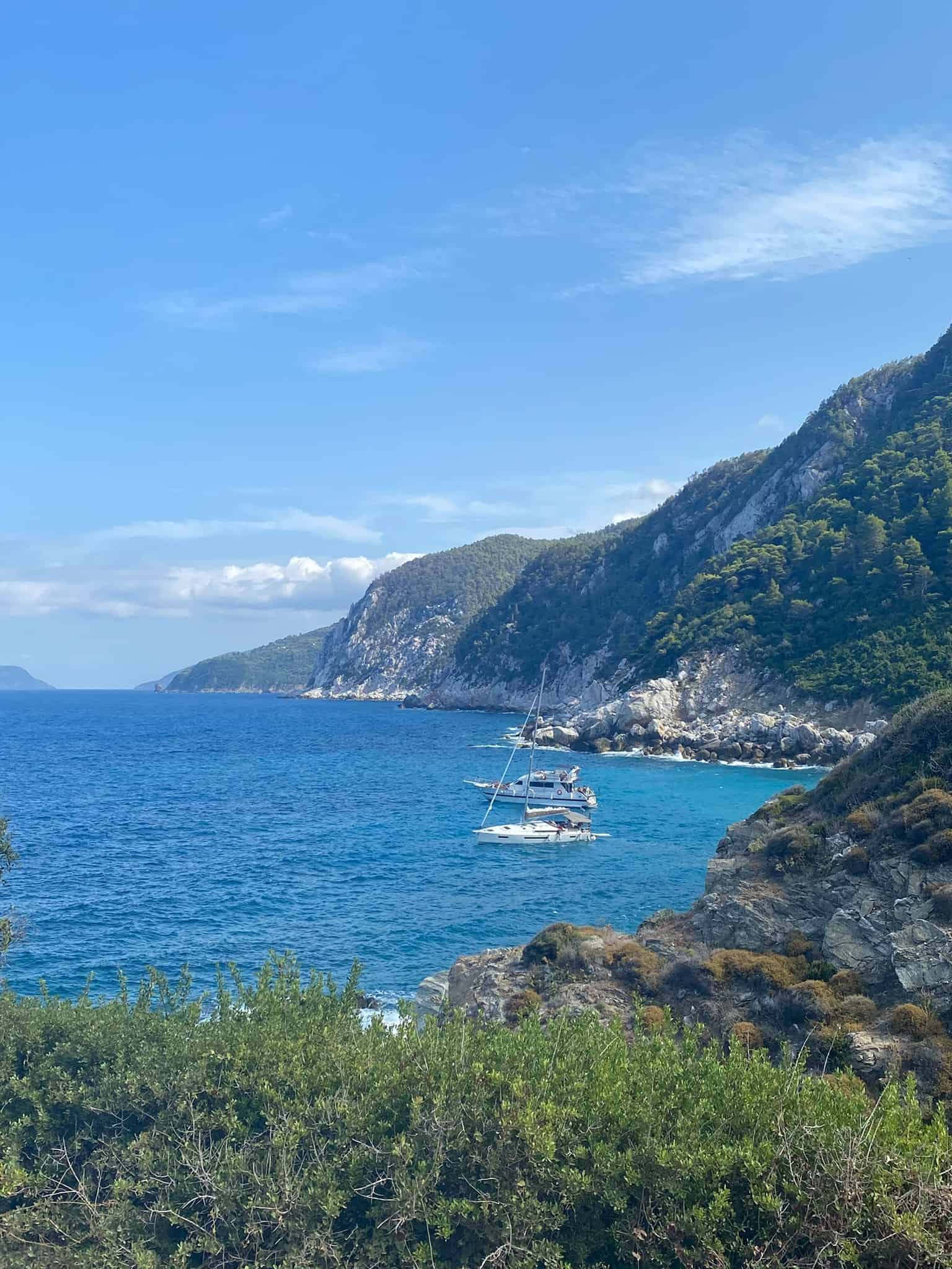 Small beach besides Agios Ioannis Kastri