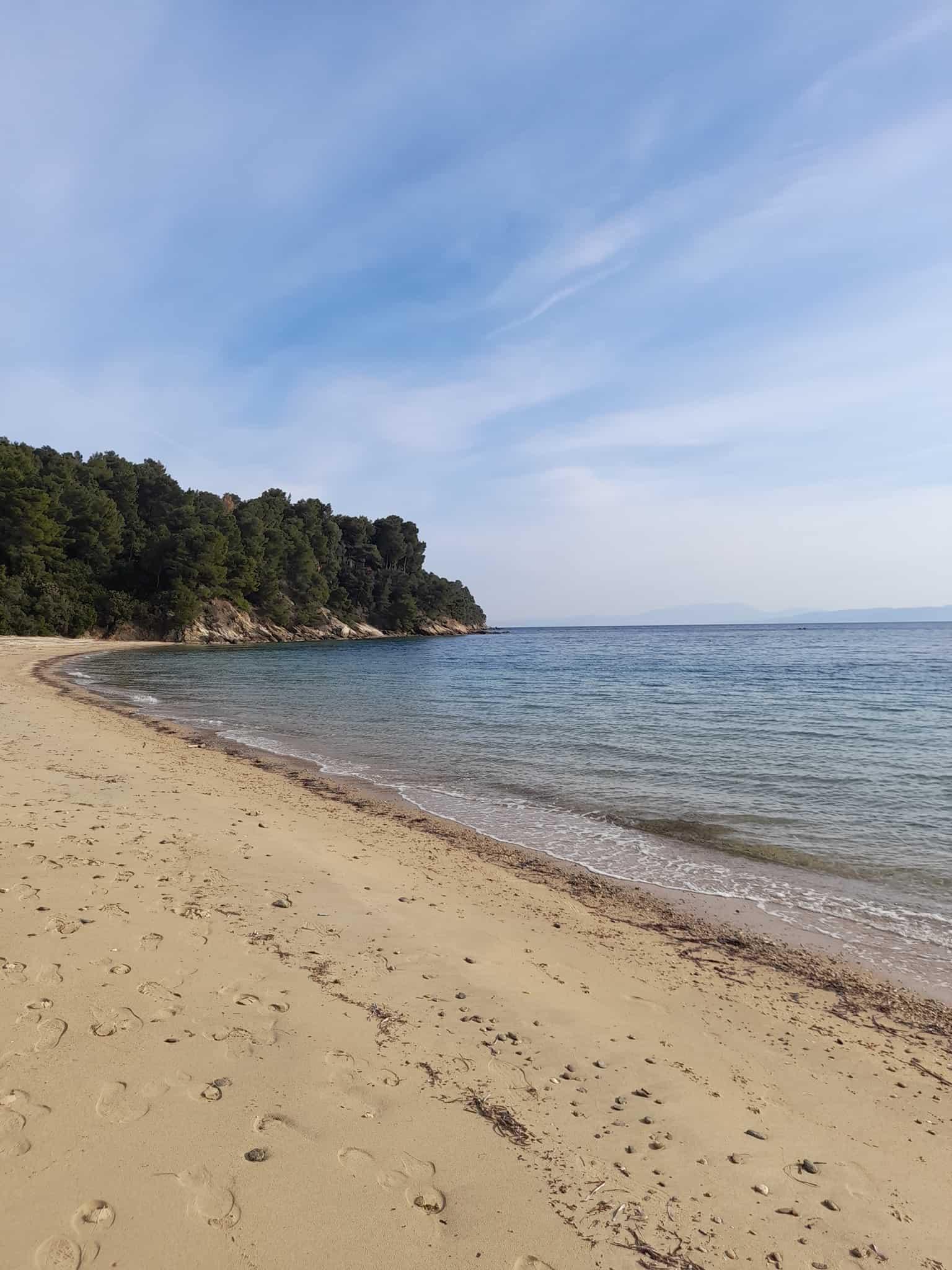Skiathos beaches: Vromolimnos
